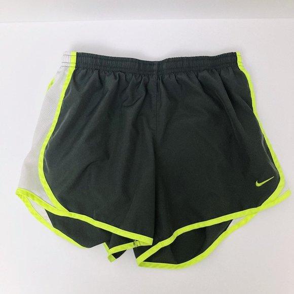 Nike Dri-FIT Shorts XL Black & Yellow